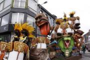 Carnavalsweekend met stoet De Roze Zondagstrein en Wortelworp (Ninove)