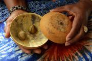 Traditiedrager van de maand: Colombe Chokki koestert geboorterituelen uit Benin