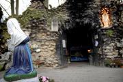 Op handen gedragen: over processies met een Mariabeeld